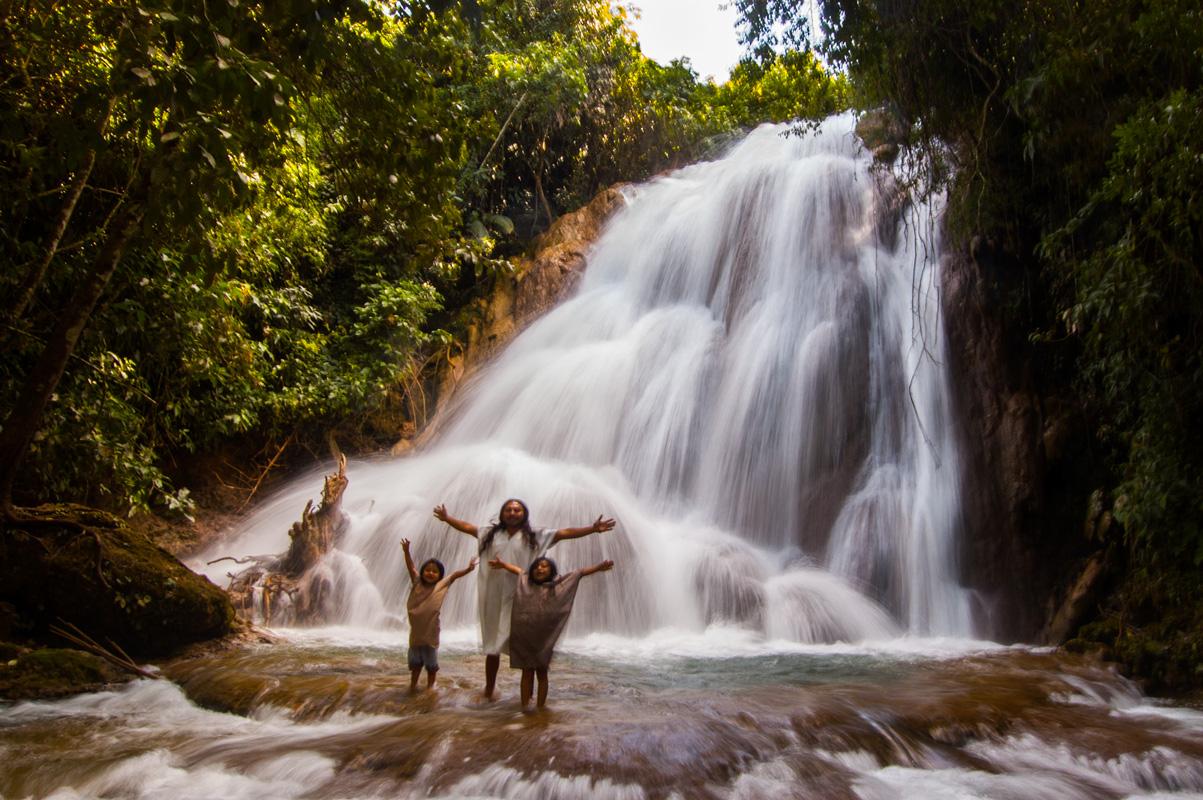 tours_chiapas_bonampak_palenque_guias_en_chiapas_selva_lacandona_mayas_lacandones_ecoturismo_cascada_de_las_golondrinas_nueva_palestina