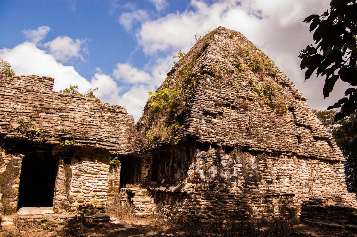 tours_en_chiapas_bonampak_yaxchilan_palenque_guias_en_chiapas_selva_lacandona_mayas_lacandones_zonas_arqueologicas_sak_tsi