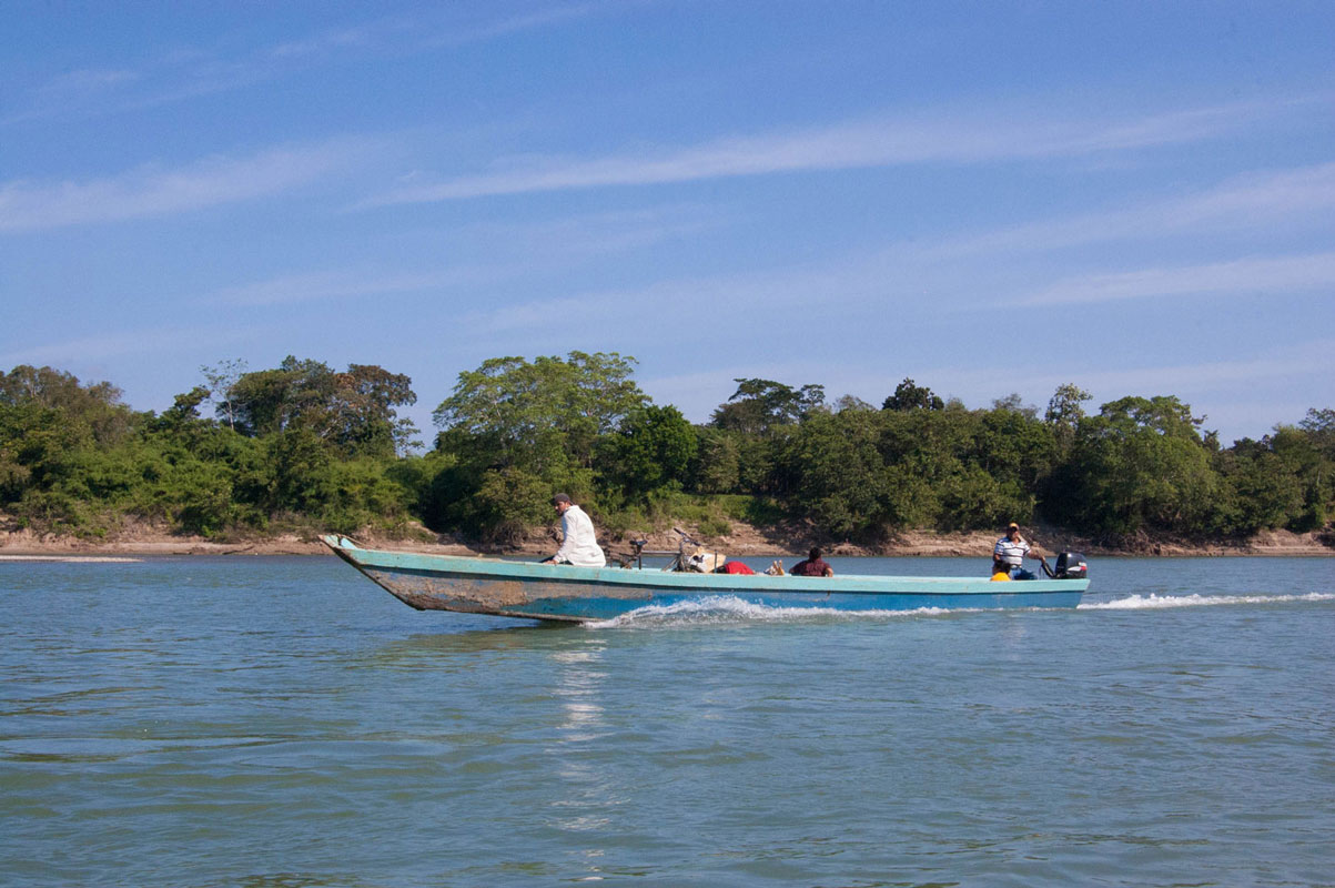 tours_en_chiapas_bonampak_yaxchilan_palenque_guias_en_chiapas_selva_lacandona_mayas_lacandones_zonas_arqueologicas_yaxchilan_rio_usumacinta