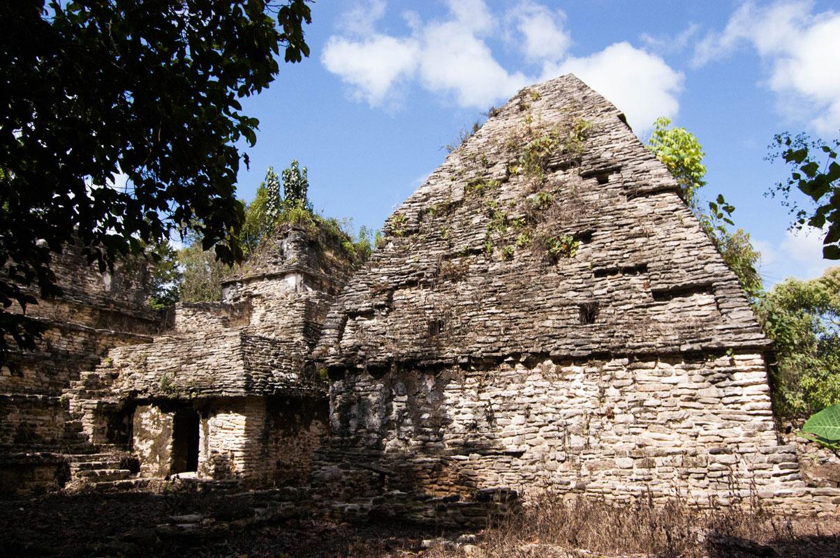 tours_en_chiapas_bonampak_yaxchilan_palenque_guias_en_chiapas_selva_lacandona_mayas_lacandones_zonas_arqueologicas_sak_tsi_02